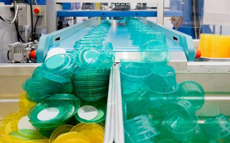 В Чехии ограничивают производство изделий из пластика